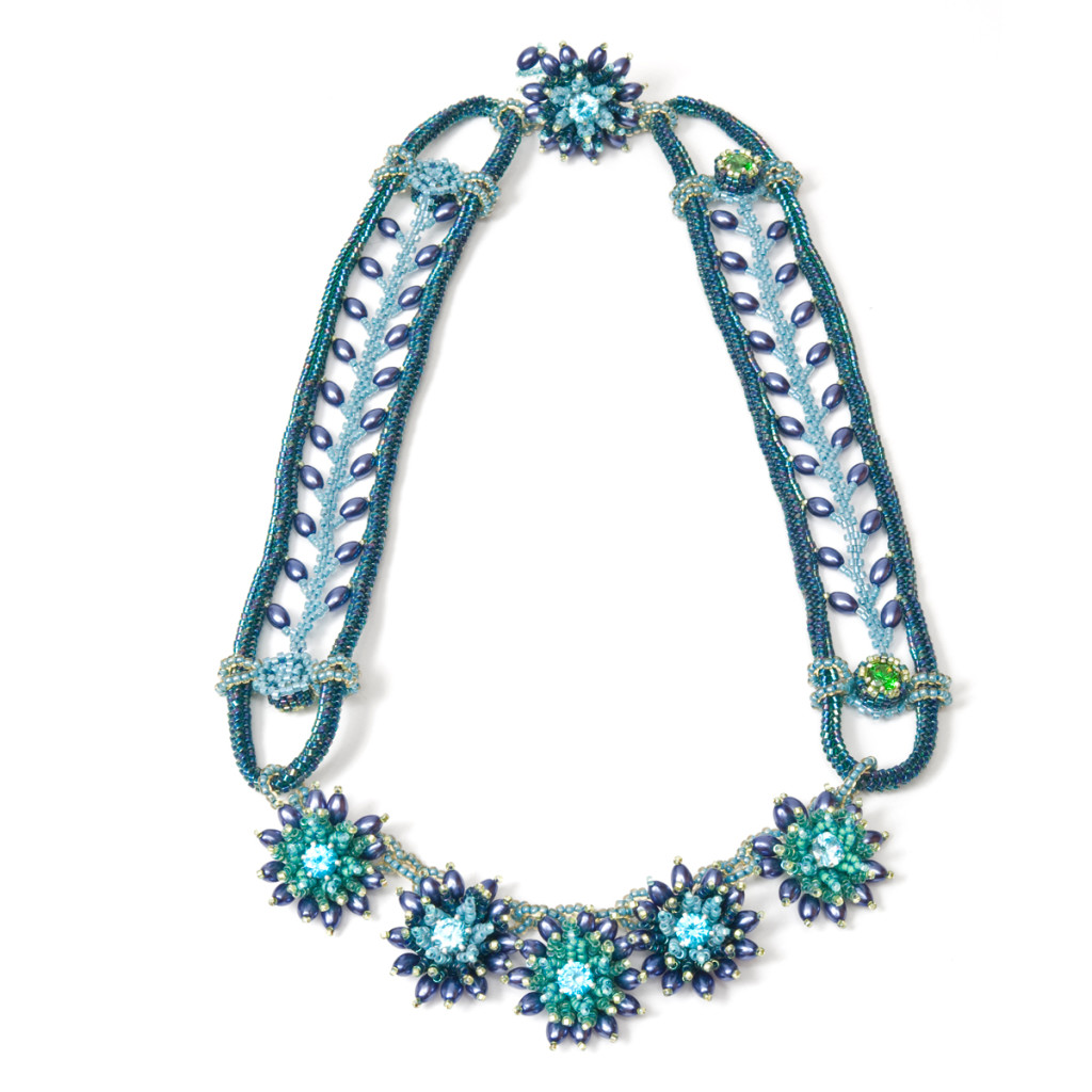 Take Melanie's Laurelia necklace class